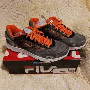NWT Fila Beyond men's runners  gray and orange